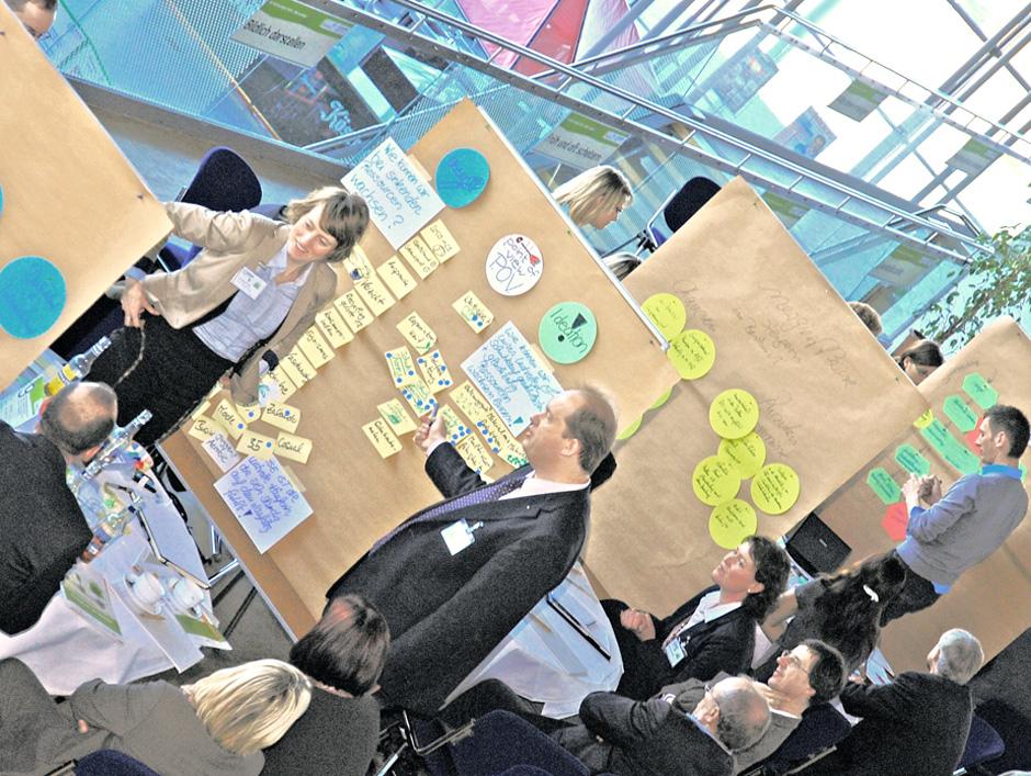 """Interdisziplinäres Arbeiten beim Fachkongress """"ENact 2020 Energie-Klima-Nachhaltigkeit"""" im November 2010 in Erfurt"""