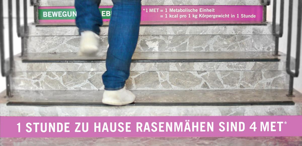 Beklebung der Treppenstufen in der Asklepios Klinik Triberg