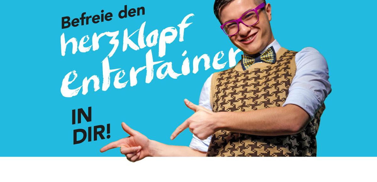 """Motiv Arbeitgebermarketing Hotel Schwarzwald Panorama """"Befreie den Herzklopfentertainer in dir!"""""""