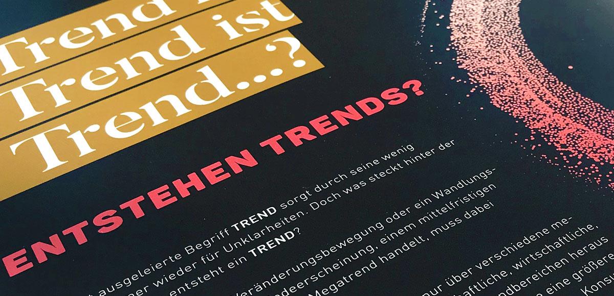 Trendbook Weihnachten 2020 Riffelmacher & Weinberger Christbaumschmuck mit aufgeschlagener Seite