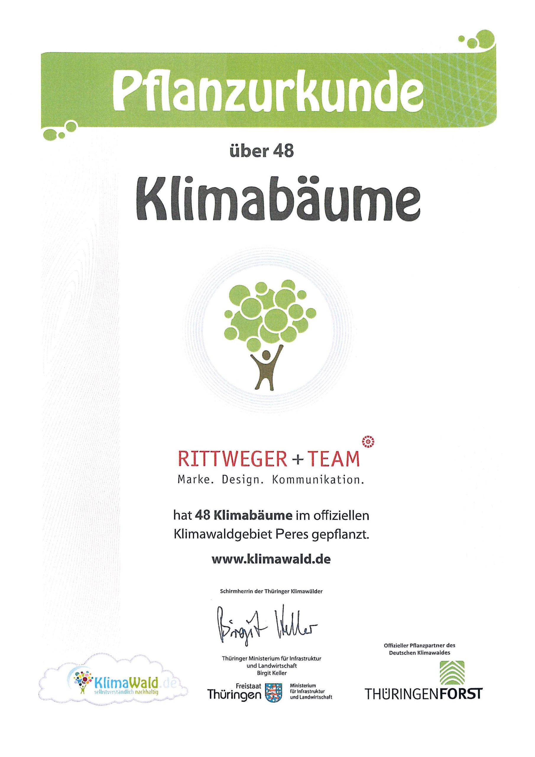Klimaurkunde – RITTWEGER + TEAM Werbeagentur GmbH hat 48 Klimabäume im offiziellen Klimawaldgebiet Wollersleben gepflanzt.